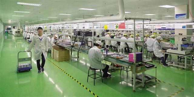 重庆华森心时代手机制造生产线