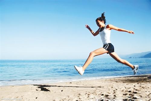 秋天锻炼运动量不宜过大